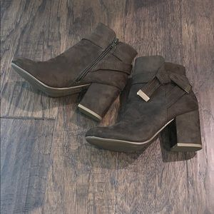 Olive/Army Green Report Booties size 5 NWOT